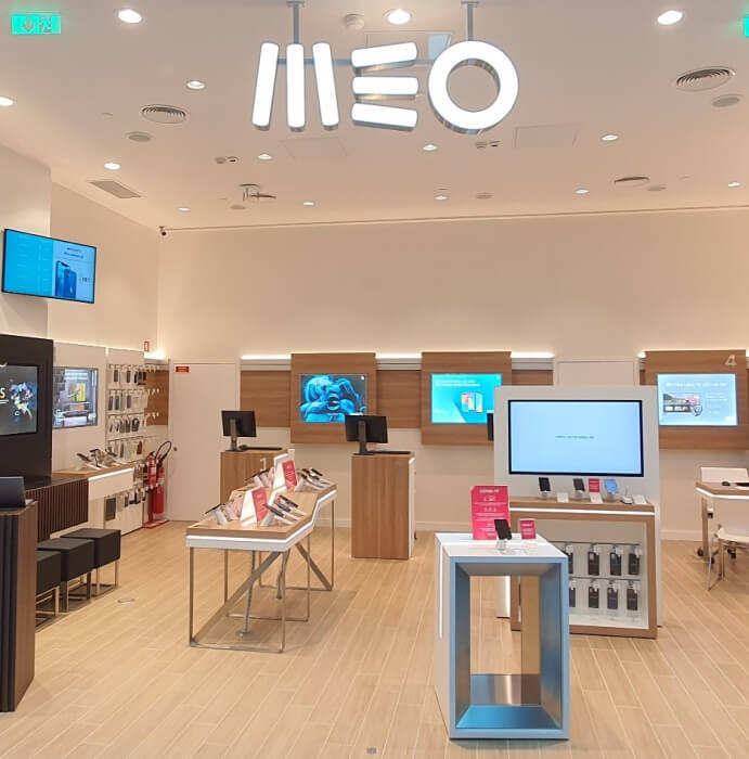 Interior de loja MEO no Arena Shopping