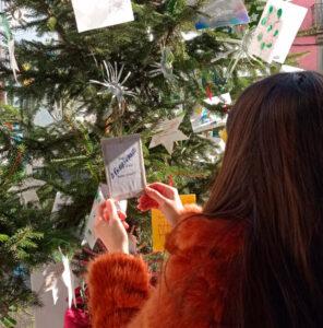 Árvore de Natal da TLCI decorada